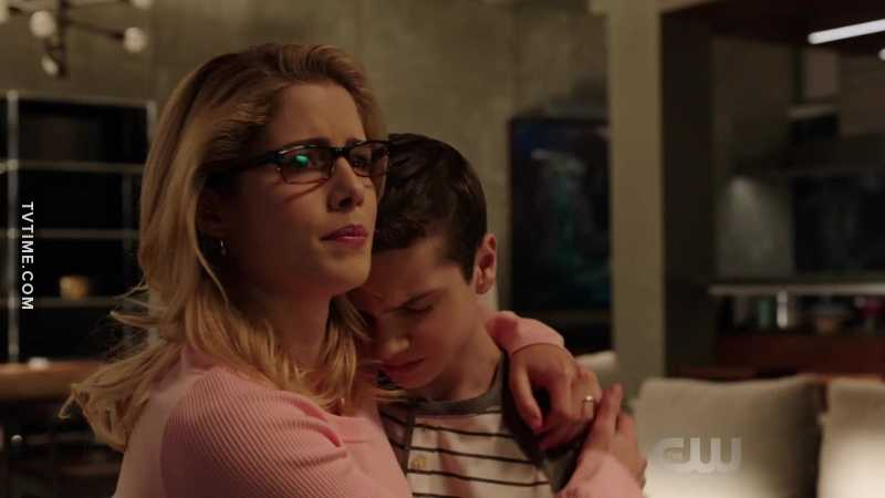 Mama Felicity is the most unexpectedly wonderful thing to come out of Arrow Season 6. 😍😍😍