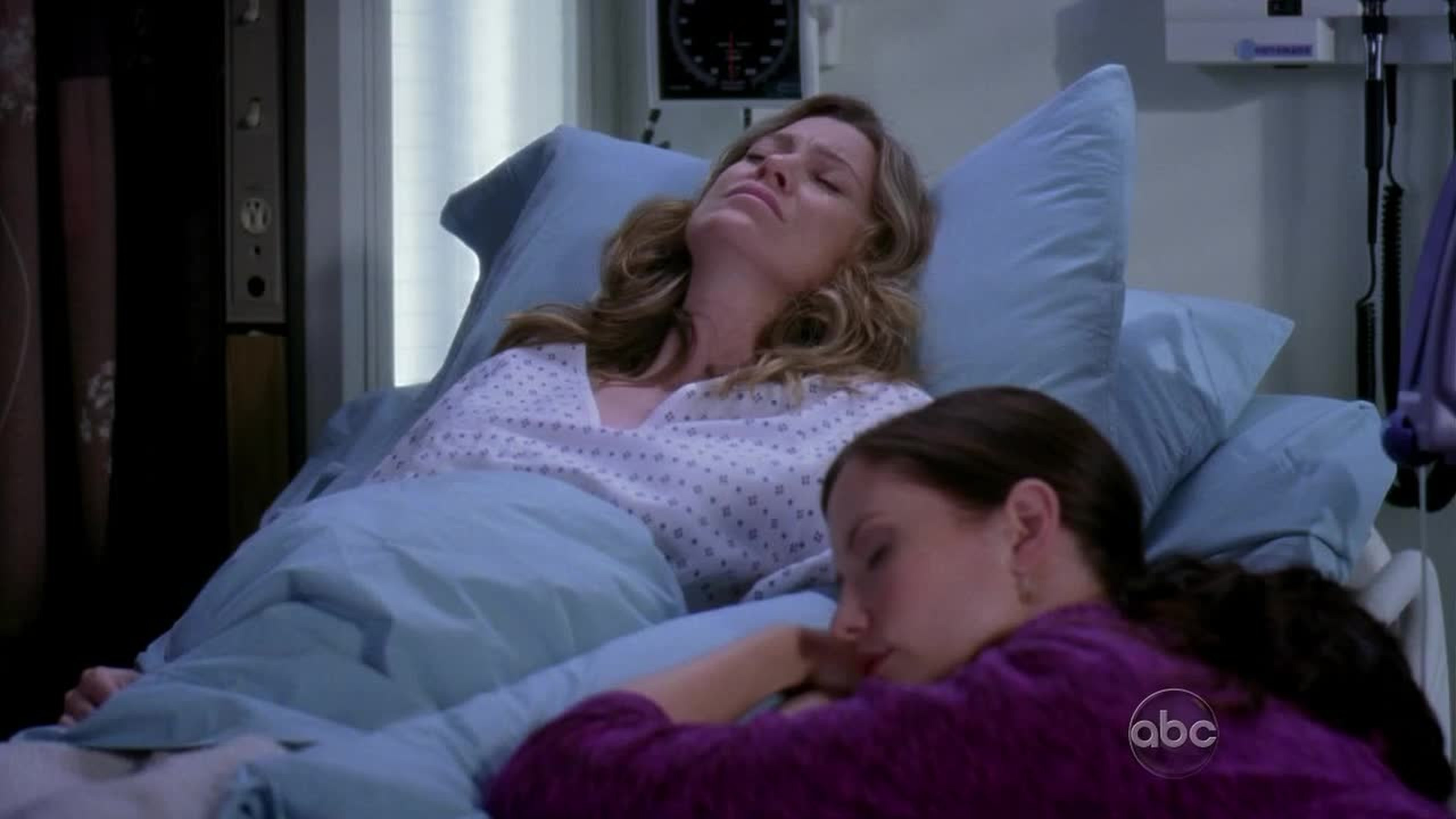 i'm loving the relationship between meredith and lexie <3