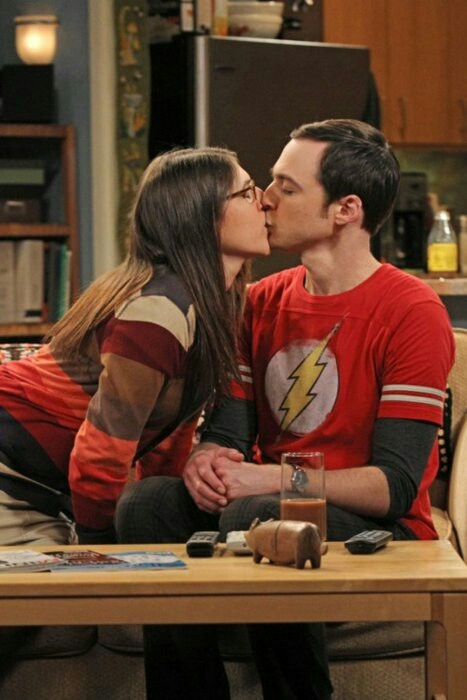 Sheldon and Amy first kiss   LOVELY ❤❤❤