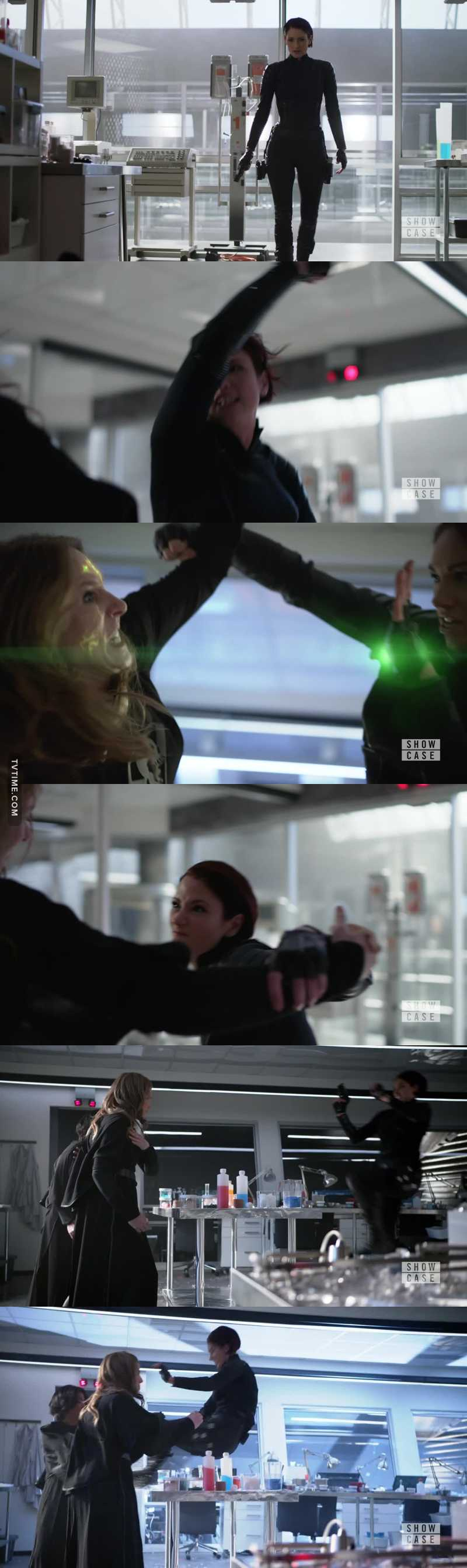 Now THAT was Badass !!!! If you weren't in Love with Alex then now u are !! I human Vs. 2 Kryptonians and she kicked ass ladies and gentlemen!!! 😍😍😍