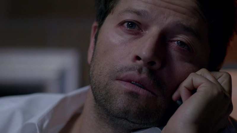 Castiel has become like us: addicted to tv shows 😂😂