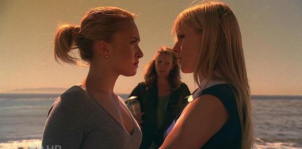 Molly, poor little girl, is always in trouble. Claire, however I liked. Just run away, it's time to fight.  Molly, povera piccola, è sempre nei guai. Claire, invece mi è piaciuta. Basta scappare, è arrivato il momento di combattere.