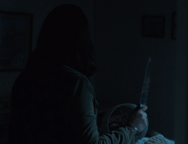 holy shit.. this show is so good.. that reflection in the knife was creepy af