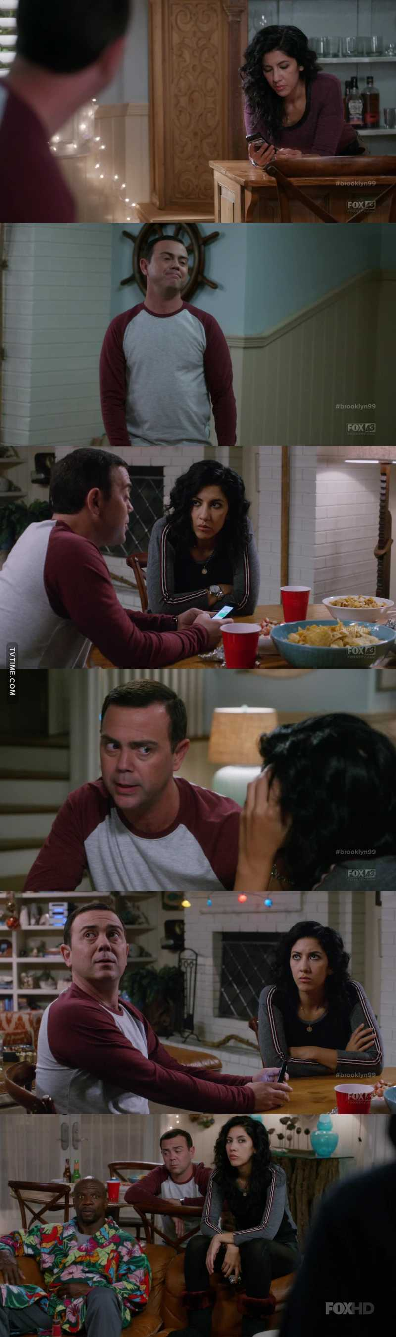 Boyle helping Rosa texting to her boyfriend is something I just needed to see! Love these two! 😍