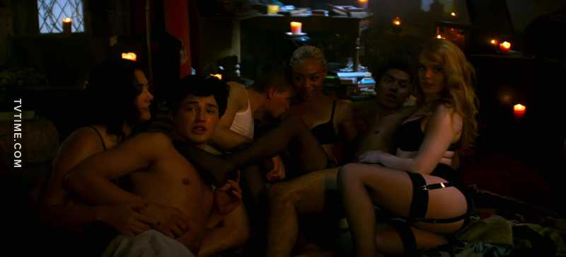 I never expected an orgy😂