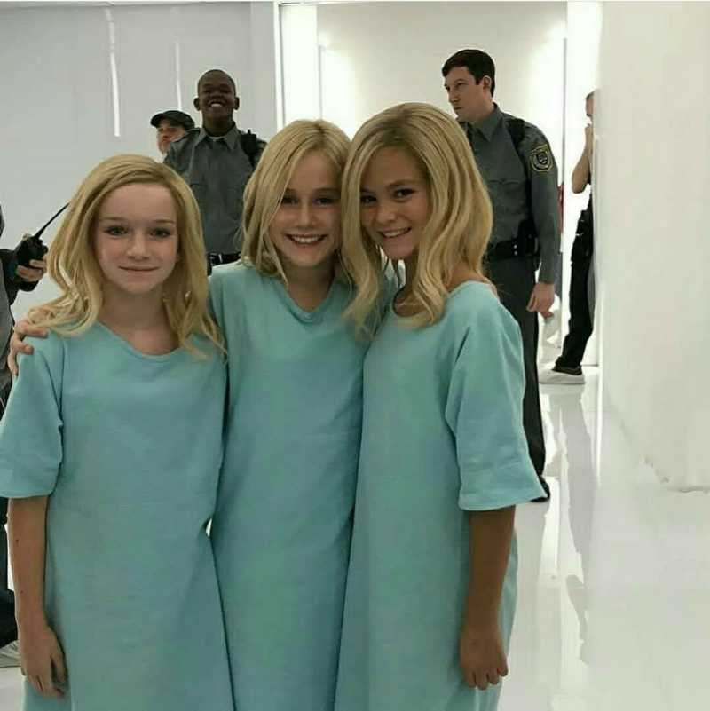 The mini Frost Sisters 💙💙