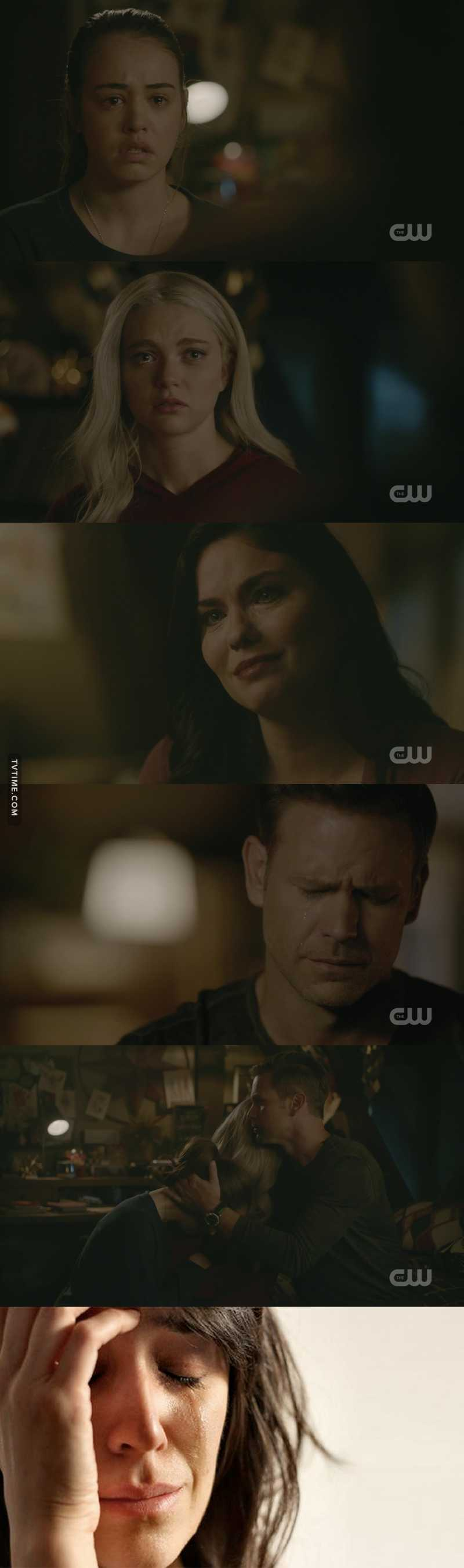 oh my god this scene was so sad 😭 i don't even have words 😩 it broke my little heart 💔