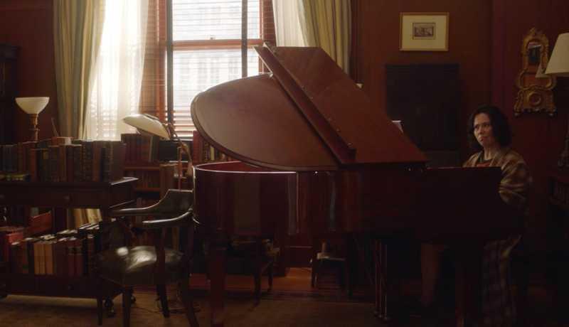 Suzie plays classical piano!