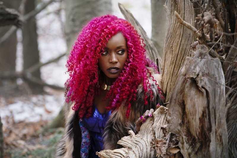 Se tem alguém que calou a boca de muuuuuita gente em 2018... esse alguém atende pelo nome de Anna Diop!