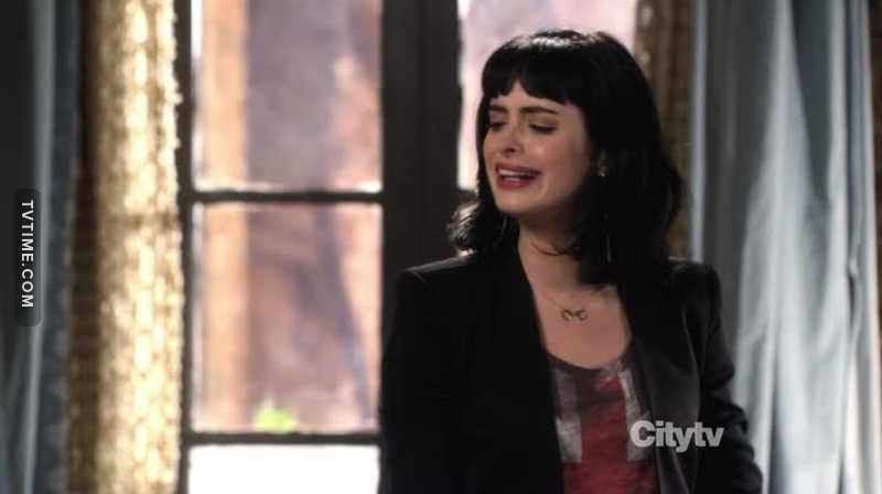 Watching her playing comedy is strange 😂 i used to imagine her as Jessica Jones 😁 Cold Bitch