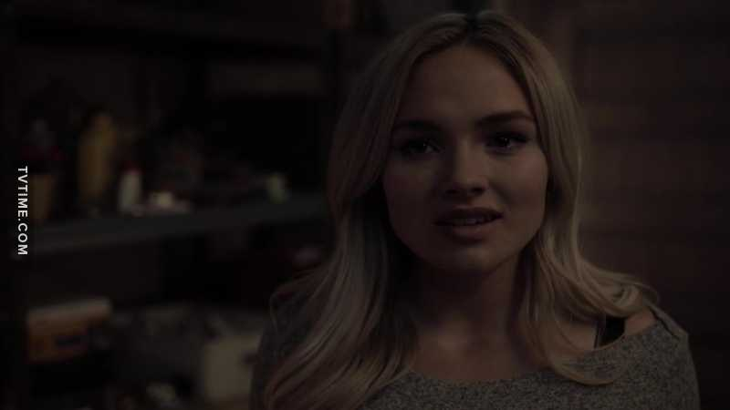 I like the new darker Lauren, her powers become more epic every episode.