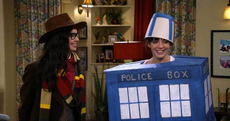 Elena and Syd cosplaying Four and the TARDIS were so cute and adorable, and I'm so happy they're a couple now💕  The Doctor would be proud of you, girls💙