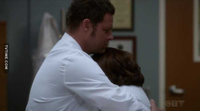 Karev comforting Bailey was so underrated !! 😍 After Miranda helping him to become this amazing surgeon, he is now taking care of her !