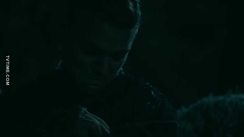 Seriously noone is gonna talk about the fact that Ivar left his newborn son in the forest the same way Ragnar had done it to him?