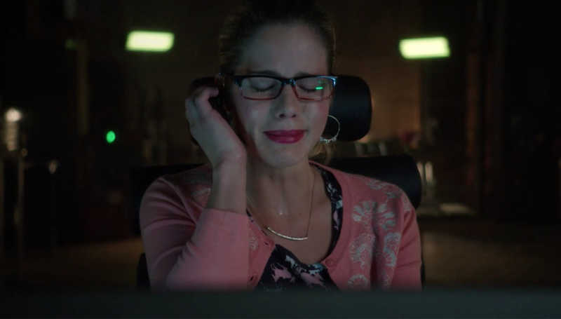 Me, every time they mention Felicity being a criminal or dead in these flash forwards...