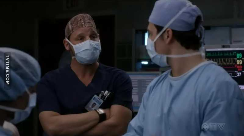 Can we all just take a moment to appreciate Karev as Chief?  They way he congratulated DeLuca was EVERYTHING.