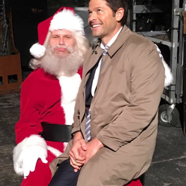 For those wondering where cas is ... He's having a good time on lucifer's laps
