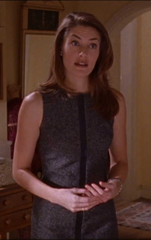 Who knows that Mädchen Amick (Alice Cooper) starred on Gilmore Girls as Christopher's girlfriend (Sherry)? She definitely looks flawless in both roles. 😍