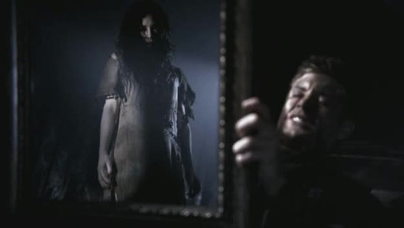 That was so damn creepy :D I hate mirrors and ugly dead girls in it :D