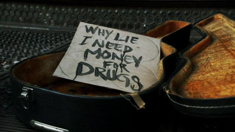 """""""Perché mentire? ho bisogno i soldi per la droga"""" sto a terra AHAHAHAHA"""