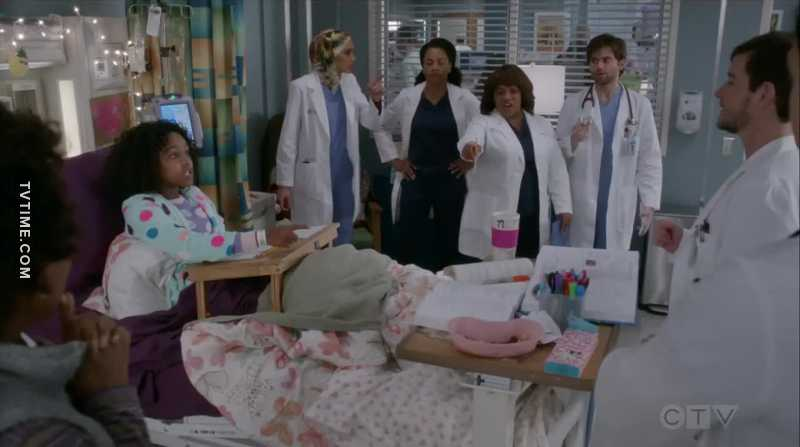can we just please appreciate the diversity of the characters in this scene? representation matters. Shonda Rhimes did THAT.👏🏼👏🏼👏🏼
