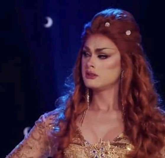 HOW THE HELL SCARLET GOT ELIMINATED?  HER LIPSCYNC WAS SO MUCH BETTER THAN RA'JAH'S.