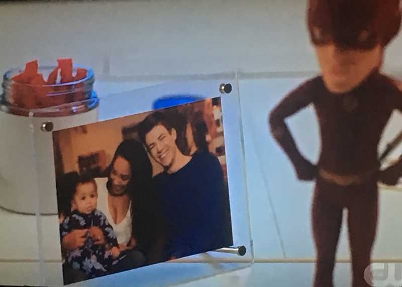 I need a bonus scene with Barry and Iris playing with Baby Nora please 😍