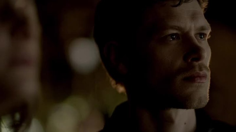 That scene. Those tears. This is why I love klaus so much. Even if he wants everybody to think he is heartless, he does have a heart.. This is all just a facade.