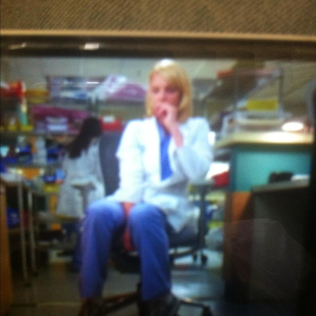 can't stand seeing izzie  like that...  ps. loved miranda's new hair.
