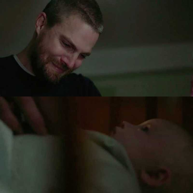 FROM THIS SCENE FORWARD, I'M ONLY TEARS. Damn, that song actually help the scenes to get even more emotional 💔😭  ALSO: Felicity is gonna be with Oliver again after 20 years.. my Olicity heart 😍 Goodbye Felicity ❤