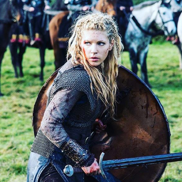 It's official: I'm in love with this woman! It's wonderful to have female characters like her. #TeamLagertha 💚