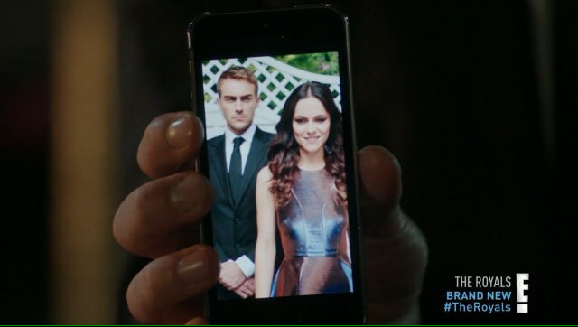 LMFAO CAN WE PLEASE TAKE A SECOND TO  TALK ABOUT THIS 😂😂 Just dying because Jasper has a cropped picture of them in his phone