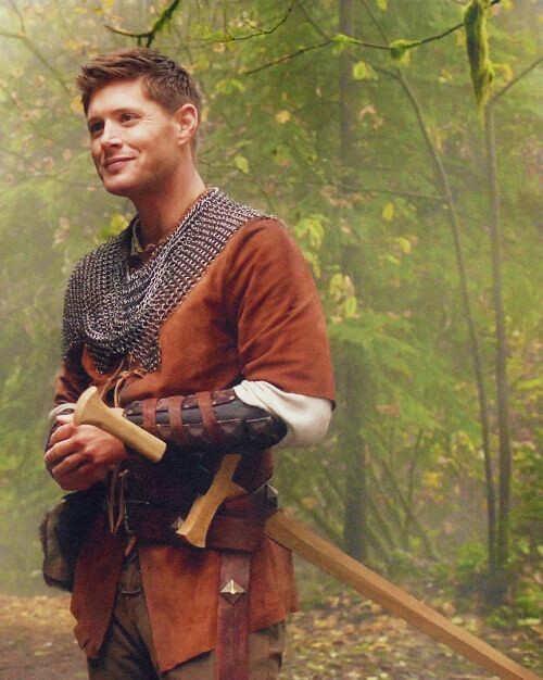 how beautiful is Dean dressed in this way?😍