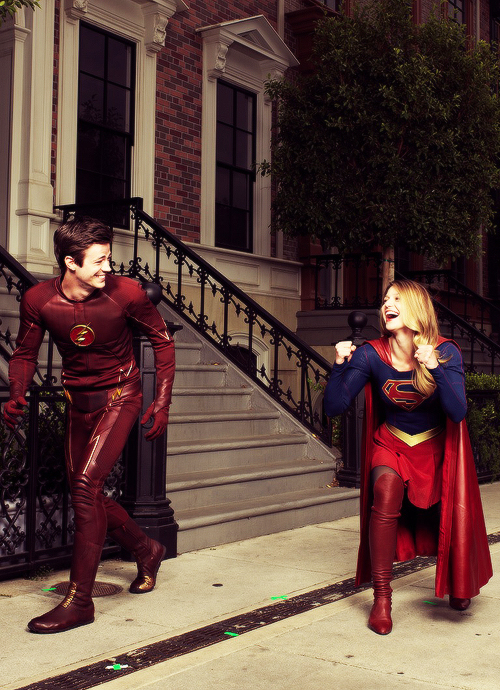 So this is actually happening! A Supergirl-Flash crossover.
