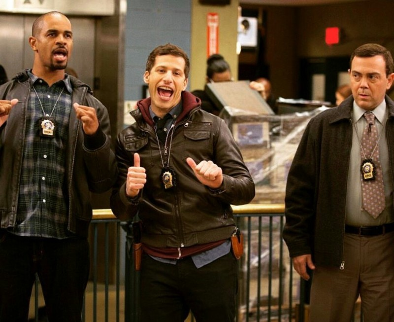 Oh yeah! Coach from new girl is a cop lol 😂😂