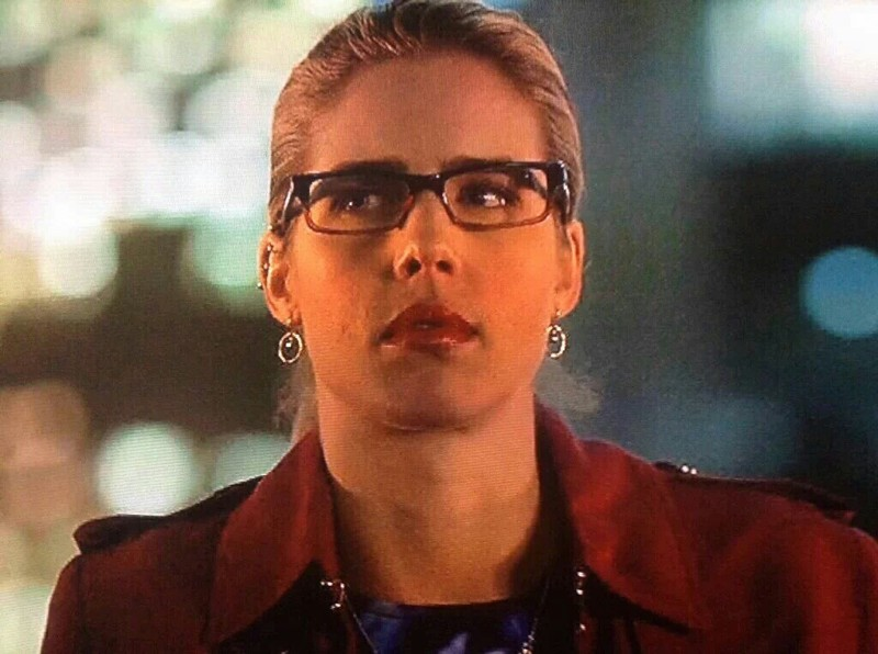 Felicity's face when Oliver said Nyssa is his wife >>>>>>